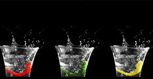 Mal di schiena? Stitichezza? Difficoltà digestive? Risolvere questi problemi è facile come bere un bicchiere d'acqua... purché sia alcalina!