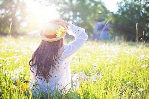 La ricerca della della felicità e il campo magnetico di background