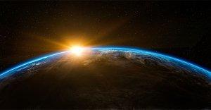 Perché i pianeti percorrono orbite ellittiche?