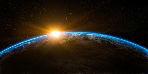 Iperspazio e universi interconnessi, la fisica spiegata in modo semplice