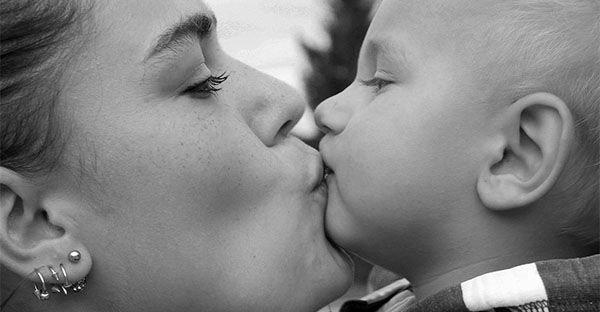 Mamma e bambino: una storia di batteri