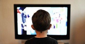 I danni della TV sul cervello dei bambini