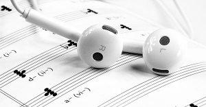 Musica per la meditazione e stati non ordinari di coscienza: frequenze binaurali e canti armonici